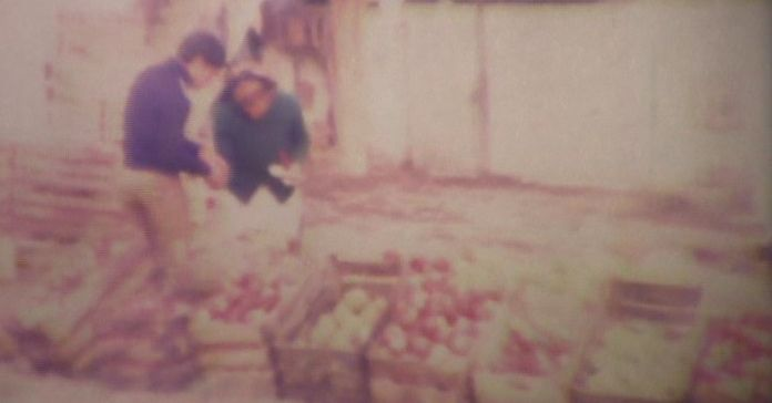 blog_2_Throwback Thursday_vegetable vendor_Portugal (better)