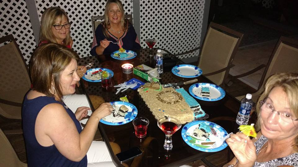 sisters weekend, eating cake